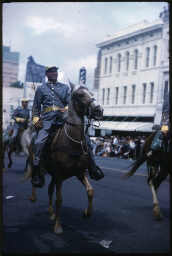 Civil War Centennial Parade, Jackson, Mississippi, March 28, 1961. Call number: PI/2007.0064 (MDAH Collection)
